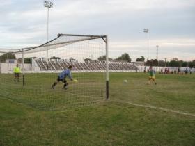 """La """"final"""" del futbol rural: Estudiantes se quedó con el primer """"chico"""""""