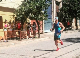 Destacada actuación de deportistas goyanos en el 33º Triatlhón Internacional de La Paz