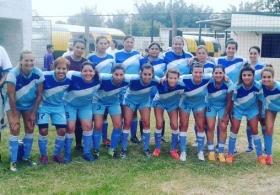 El equipo de fútbol femenino de Huracan, participara en el Torneo de Verano