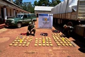 Cerca de Santo Tomé: Gendarmería secuestró droga que transportaban en un camión
