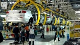 ECONOMÍA: La producción industrial profundizó su caída