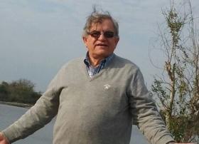 SOCIALES: Cumple años hoy Carlos Valentín Gómez Muñoz