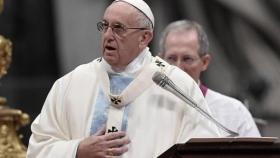 """El papa Francisco exigió """"tolerancia cero"""" ante los curas pedófilos"""