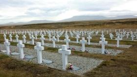 ACUERDO CON EL REINO UNIDO: La Cruz Roja llegó a Malvinas para la identificación de los caídos