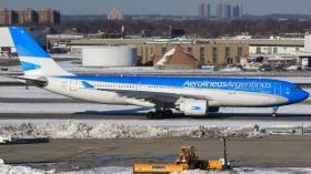 Se incendió el motor de un avión de Aerolíneas Argentinas en Nueva York
