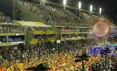 BRASIL: Unas 250 mil personas salieron las calles de Río para celebrar la llegada del carnaval