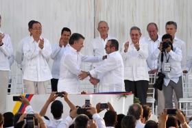 SE FIRMÓ EL ACUERDO DE PAZ EN COLOMBIA QUE PONE FIN A UNA GUERRA DE 50 AÑOS