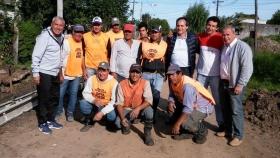 Gerardo Bassi supervisó junto a Camau Espínola, los frentes de cordones cunetas de Goya